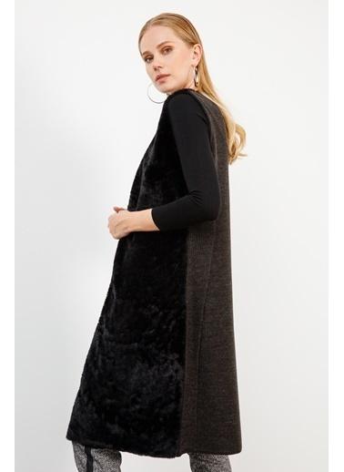 Butik Triko 2754 Peluşlu Uzun Yelek Siyah